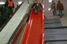 Rutsch-Spaß in der U-Bahn