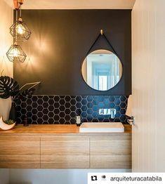 """160 Me gusta, 3 comentarios - Masisa (@masisainspira) en Instagram: """" #Repost @arquiteturacatabila with @repostapp ・・・ Esse banheiro com pegada retrô, traz elementos…"""""""