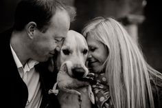 engagement photos Stockholm - in love shoot - couples with dogs - engagement photos with dog - Golden Retriever