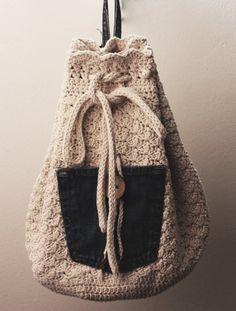 Crochet Duffel Bag Vintage-look Ladies Crochet Bag by ntwyned