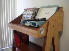 Record Player Stand and Vinyl Storage van DKVinylDisplays op Etsy