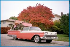 1959 Ford Skyliner (Retractable Hardtop)  Ive actually seen one of these! Way cool