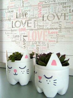 cute cats from PET bottles Leaf Crafts, Diy And Crafts, Arts And Crafts, Pet Recycling, Reduce Reuse Recycle, Pet Bottle, Recycled Crafts, Bottle Crafts, Children's Place