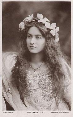 The stunning Maude Fealy (1881 - 1971) was a star of the Edwardian stage and silent films.