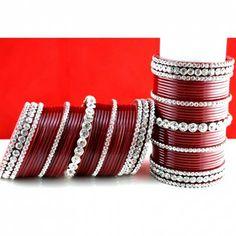 Red Wedding Bangles! Wedding Chura, Bridal Chura, Wedding Wear, Red Wedding, Wedding Stuff, Indian Wedding Jewelry, Wedding Jewelry Sets, A Cinderella Story, Bridal Bangles