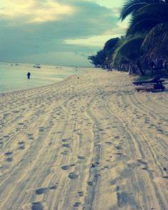? Morning walk on sandy Road   Mauritius ? (www.facebook.com/...)...