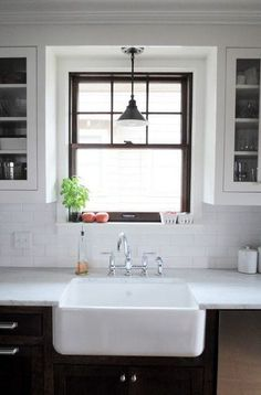 New kitchen sink makeover apartment therapy ideas Painted Window Frames, Black Window Frames, Black Windows, Wood Cabinets, White Cabinets, Kitchen Cabinets, Kitchen Countertops, Laminate Countertops, Kitchen Island