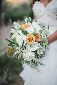 fall wedding bouquet, photo by Analisa Joy http://ruffledblog.com/glamorous-thanksgiving-inspiration #weddingbouquet #flowers #bouquets