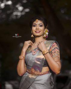 Asian Bridal Wear, Indian Bridal Outfits, Saree Photoshoot, Bridal Photoshoot, South Indian Wedding Saree, Tamil Wedding, Arabic Bridal Mehndi Designs, Engagement Saree, Wedding Saree Collection