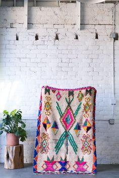 sold an octapuss garden azilal vintage moroccan berber carpet Living Room Shag Carpet, Diy Carpet, Beige Carpet, Patterned Carpet, Modern Carpet, Rugs On Carpet, Green Carpet, Red Carpets, Wool Carpet
