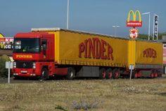 Les véhicules du cirque Pinder - Autos passion'Nantes