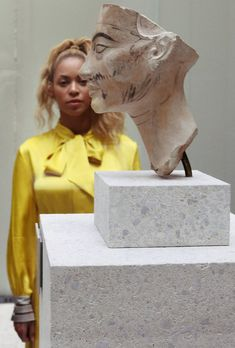 Beyoncé Shares a Photo of Her Twins From Vacation, but It's Blue Ivy Who Steals the Spotlight Beyonce 2013, Beyonce Knowles Carter, Beyonce And Jay Z, Beyonce Twin, Beyonce Memes, Rihanna, King B, Beyonce Style, Online Photo Gallery