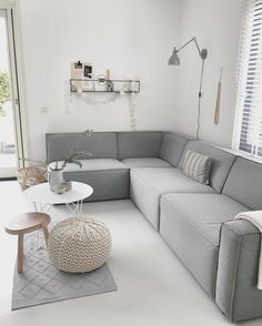 It has a nice corner, in case we want a sofa with a corner in it Home Living Room, Interior Design Living Room, Living Room Decor, Living Spaces, Living Room Inspiration, Home Decor Inspiration, U Couch, Sofa, Scandinavian Living
