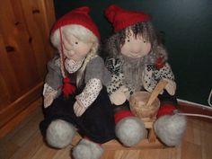 Nisser hand made in wool Hand Crafts, Snowman, Wool, Outdoor Decor, How To Make, Handmade, Home Decor, Craft, Art Crafts