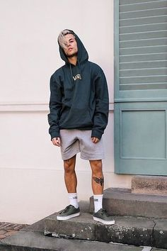 Get this look: More looks by Kevin Elezaj: lb.nu/kevinelezaj … Get this look: More looks by Kevin Elezaj: lb.nu/kevinelezaj Items in this look: Vans Sneakers, Vans Socks, H&M Sweatpants, Vans Sweater Vans Sneakers, Sneakers Fashion, Vans Socks, Mens Fashion Socks, Fashion Boots, Fashion Hoodies, Mode Masculine, Mode Outfits, Short Outfits