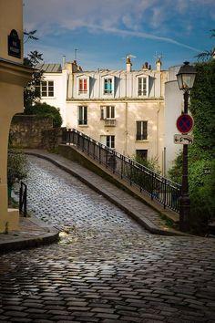 Rue Poulbot, Montmartre, Paris.