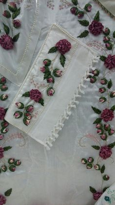 Ribbon Embroidery, Embroidery Designs, Gift Bags, Gifts, Silk Ribbon Embroidery, Fairy, Cross Stitch, Towels, Pintura