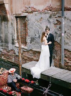 Dark, romantic Venice wedding inspiration
