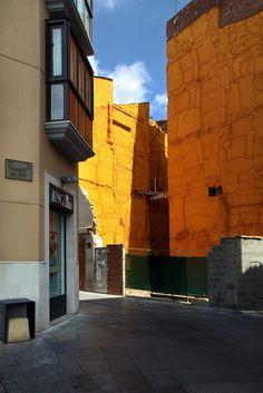 #Fotografias em #lugares exóticos - #apontamentos sobre pormenores de grande simplicidade: Tunísia – diversos sítios; Léon – Espanha, na Calle El Cid.