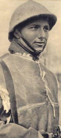 """Avril 1940, un tirailleur marocain, membre d'un """"corps franc"""", pin by Paolo Marzioli"""