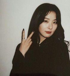 ÈUPHOЯIA save me─ ✿· Mamamoo, Red Velvet Seulgi, Kang Seulgi, New Artists, Korean Girl, Sooyoung, Kpop Aesthetic, Kpop Girls, Teddy Bear
