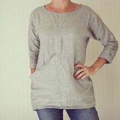 I've been meaning to share pics of this one for a while! This is a #grainlinestudio #hemlocktee hack inspired by the Elizabeth Suzann Long Sleeve Harper Tunic. This one took a while because my first attempt went horribly wrong and looked like I was wearing a circus tent. It was quite a scramble to recover from that without putting the whole thing into the scrap pile, but I love the way it turned out. It's already a staple piece in my wardrobe. I specifically designed it to cover the butt of…