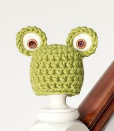 Easy Newborn Frog Hat crochet pattern | FaveCrafts.com