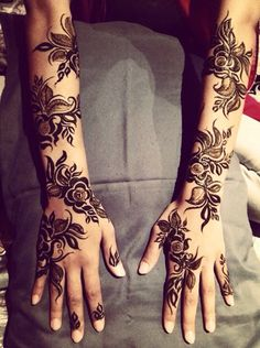 111 Latest Bridal Mehndi Designs That Will Leave you Breathless Latest Bridal Mehndi Designs, Indian Henna Designs, Full Hand Mehndi Designs, Arabic Mehndi Designs, Beautiful Henna Designs, Henna Tattoo Designs, Mehndi Art, Arabic Henna, Hand Designs