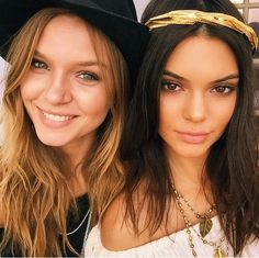 Shop the Coachella Beauty Look: From Kendall's Boho Waves to Beyoncé's Big Curls Kendall Jenner Instagram, Kendall Jenner Coachella, Kendall Y Kylie Jenner, Kardashian Jenner, Top Models, Gigi Hadid, Rihanna, Boho Chic, Boho Style