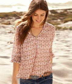 I love summer cloths! Very Pretty.