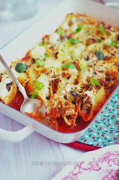 Asia's White Kitchen: Muszle makaronowe nadziewane kurczakiem, pieczarka...