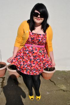 Love the dress!    MessyCarla: A Fashion Blog In A Size 16: Pops of Yellow