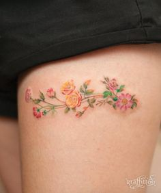210 Most Popular Thigh Tattoos For Women cool