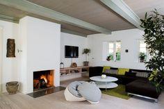 Træd indenfor i Heidi og Thomas Dinesens hjem, hvor traditionerne lever og forgrener sig, ganske som de træer, der har udgjort fundamentet for familiens savværk i Jels gennem fire generationer.