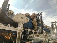 Taikamaa nimeltään Tomorrowland • Findineverland Tomorrowland The Rock, Mount Rushmore, Party, Mountains, Nature, Travel, Naturaleza, Viajes, Parties