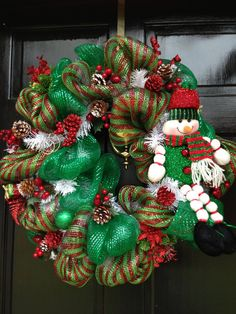 """FROSTED CHRISTMAS deco mesh """"FROSTY"""" wreath"""