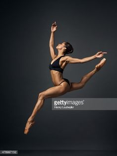 Ballet dancer Misty Copeland is photographed for Self Assignment on November 25 in New York City. Get premium, high resolution news photos at Getty Images Misty Copeland, Dance Photography Poses, Dance Poses, Dancers Body, Ballet Dancers, Ballerina Body, Black Ballerina, Black Dancers, Paris Opera Ballet