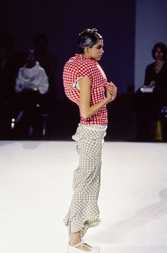 http://www.vogue.com/fashion-shows/spring-1997-ready-to-wear