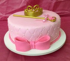 The World's newest photos of coroa and princesas Cake Disney, Cupcake Cookies, Cupcakes, Half Birthday Baby, Birthday Cake With Flowers, Gorgeous Cakes, Sweet Cakes, Fondant Cakes, Gum Paste