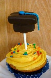 Graduation Cupcakes with Marshmallow Grad Cap Pops