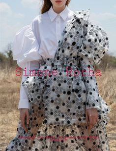 Odette Pavlova by Jackie Nickerson for Simone Rocha SS 2017 Campaign Runway Fashion, High Fashion, Fashion Beauty, Fashion Show, Womens Fashion, Fashion Trends, Cheap Fashion, Ethno Style, Fashion Details
