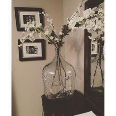 【sassnclass86】さんのInstagramをピンしています。 《Channeling my inner @joannagaines w my @magnolia #cherryblossoms #homedecor #diy》
