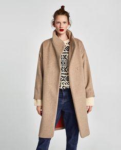 Manteau long col enveloppant . Zara