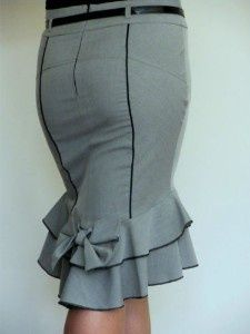 this might actually be a functional pencil skirt for me...ruffles and bow might balance things out.