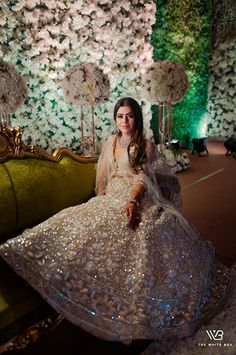A Royal Sikh Wedding In Ludhiana With Gorgeous Couple Outfits Sikh Bride, Punjabi Bride, Sikh Wedding, Wedding Attire, Wedding Reception Makeup, Sabyasachi Sarees, Bridal Photoshoot, Engagement Dresses, Red Wedding Dresses