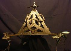 Antique bronze lustre 3 branches symbole tétraèdre Franc Maçonnerie ? 1920 P:3K2