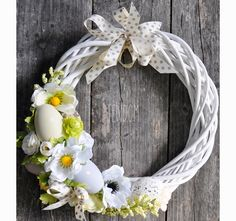 Podobny obraz Ornament Wreath, Grapevine Wreath, Ornaments, Grape Vines, Diy And Crafts, Wreaths, Seasons, Festivals, Home Decor