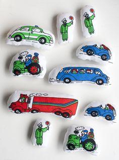 UKKONOOA: Pienet pehmolelut kierrätyskankaasta / DIY small soft toys (recycled fabric)