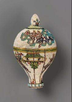 Beaded perfume bottle based on Le Flesselle balloon ascension of January 19, 1784 in Lyon. Made in France, c.1784.