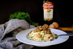 Risotto with mushrooms Fried Rice, Risotto, Fries, Stuffed Mushrooms, Ethnic Recipes, Food, Stuff Mushrooms, Essen, Meals